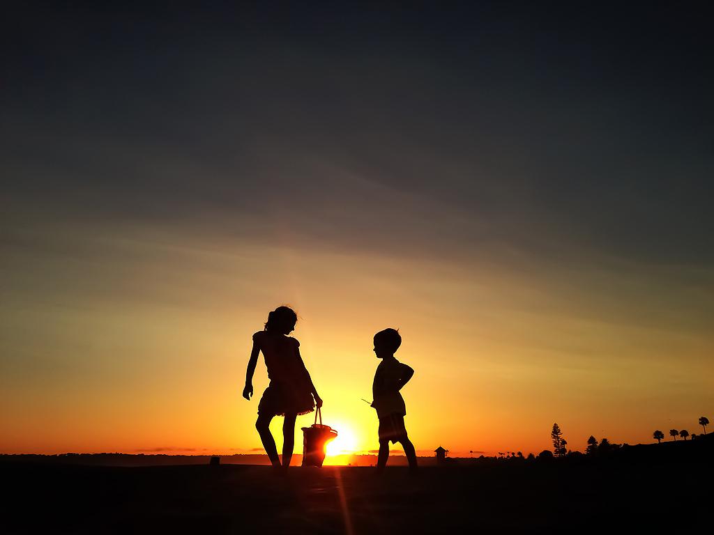 Hotel del Coronado   Kids Silhouette
