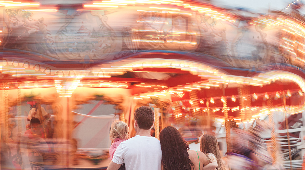 Carousel | Mission Beach San Diego Family Photography