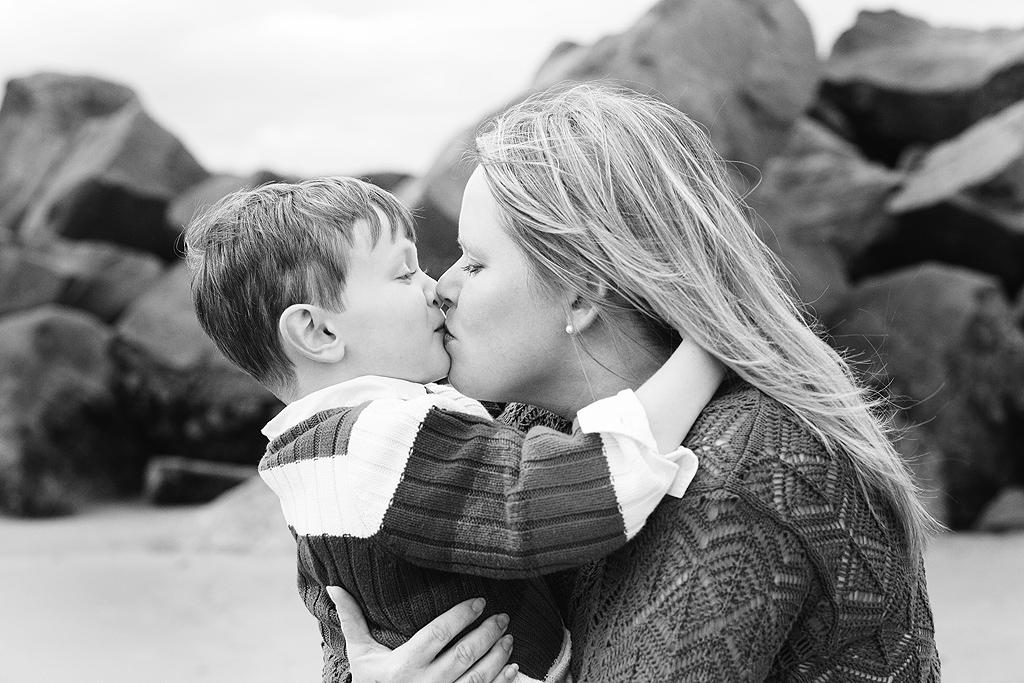 Kisses   San Diego Beach Photography