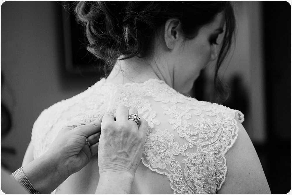 Mother of the Bride Buttoning Dress| San Diego Wedding Photographer