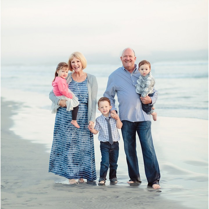Extended Family | San Diego Coronado Beach Photographer