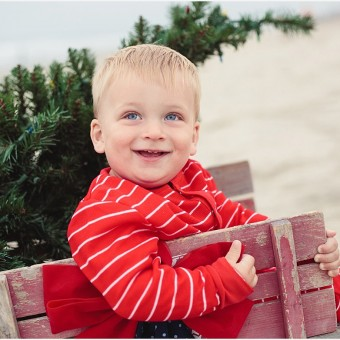 Christmas on the Beach | Carlsbad San Diego Family Photographer