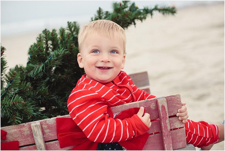 Christmas Tree on the Beach | San Diego Beach Photographer
