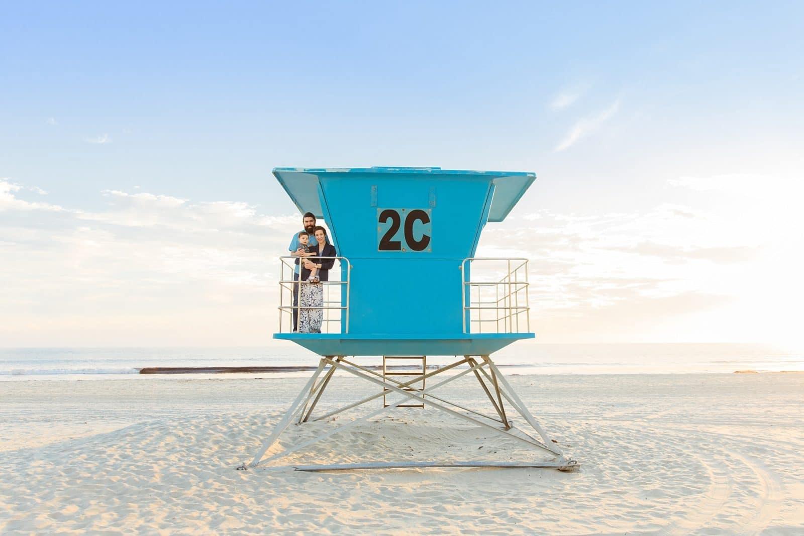 Reading on the beach   San Diego Photographers