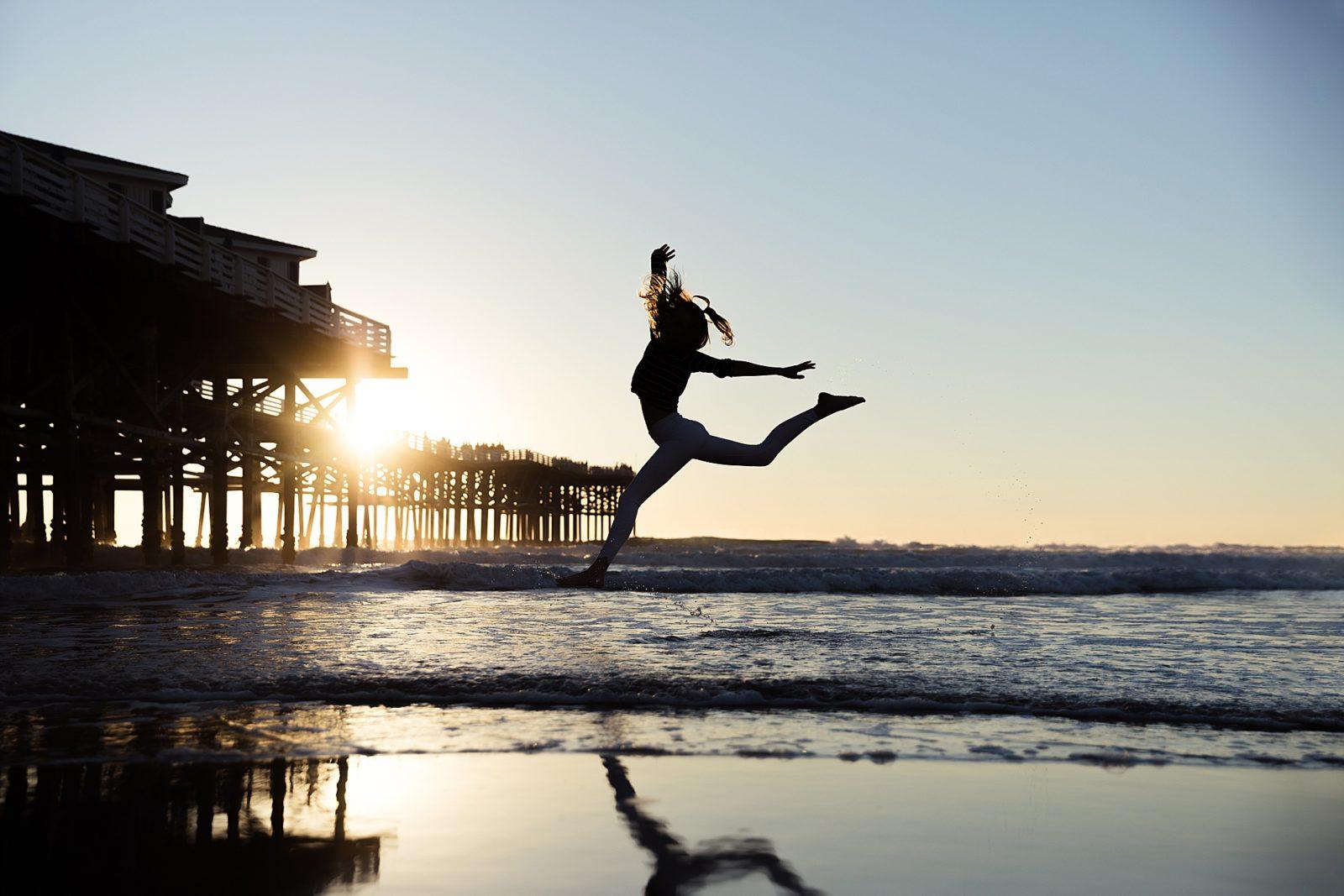 Beach Silhouette   San Diego Photographer