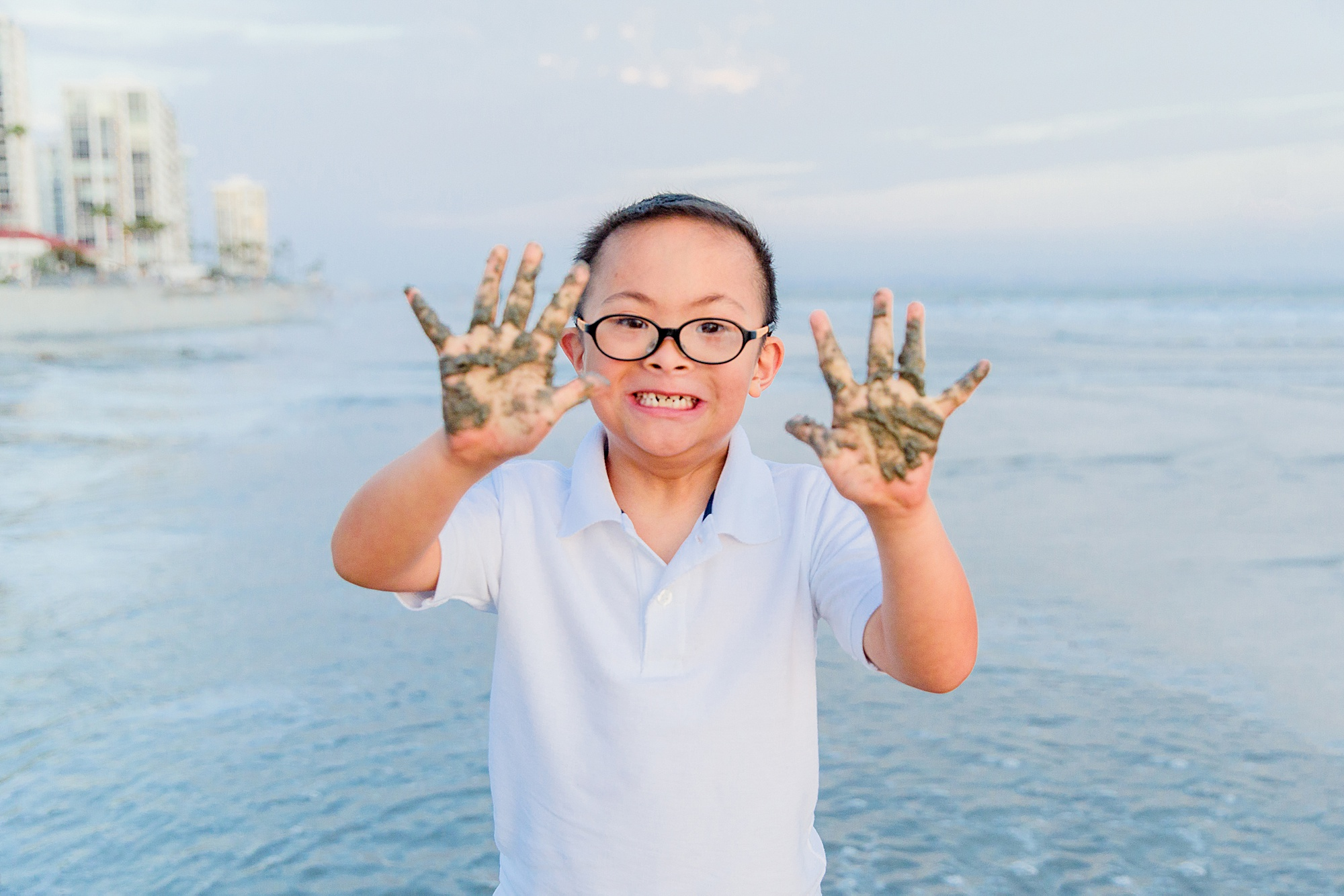 Sandy Hands | Family Photoraphy San Diego
