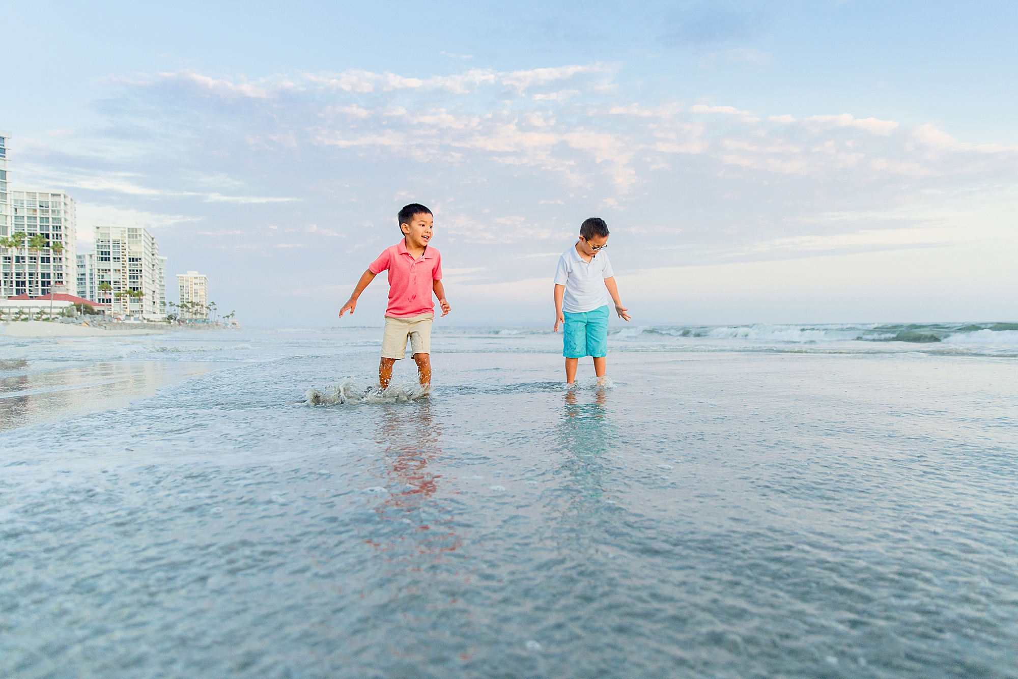 Playing at the Beach | San Diego Photographers