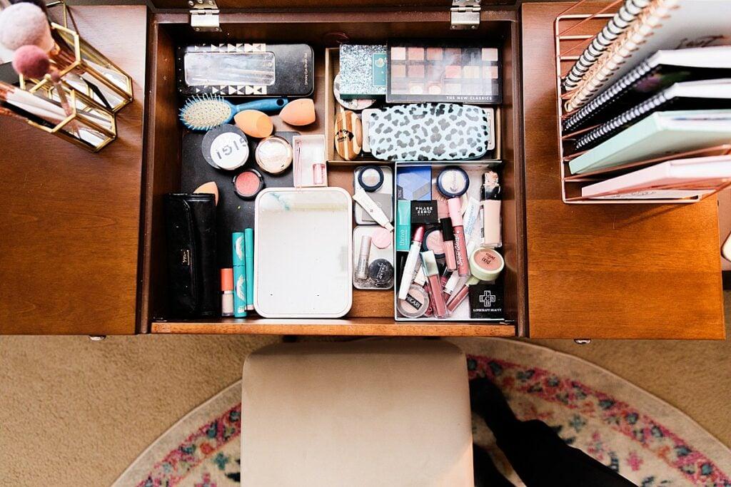 Vanity Table with Flip Top